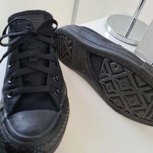 Converse size 5 all black chuck taylor